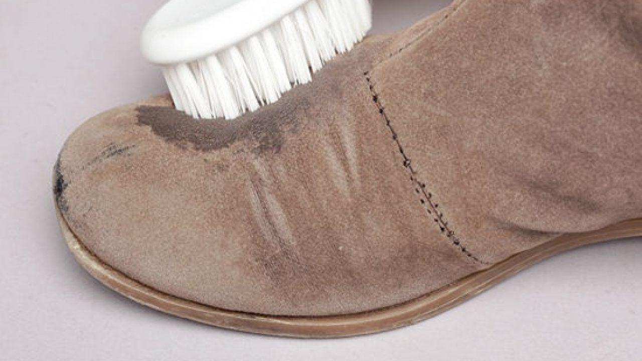 Pulire le scarpe scamosciate in 5 mosse