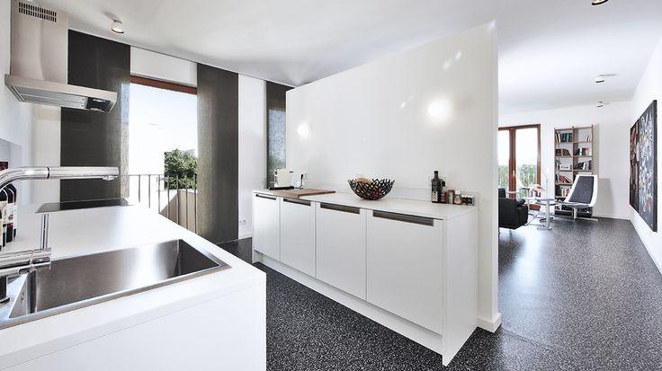 5 idee pratiche per dividere la cucina dal soggiorno - Idee per arredare la cucina ...